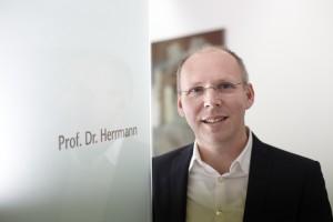 arzt_prof-dr-herrmann_03